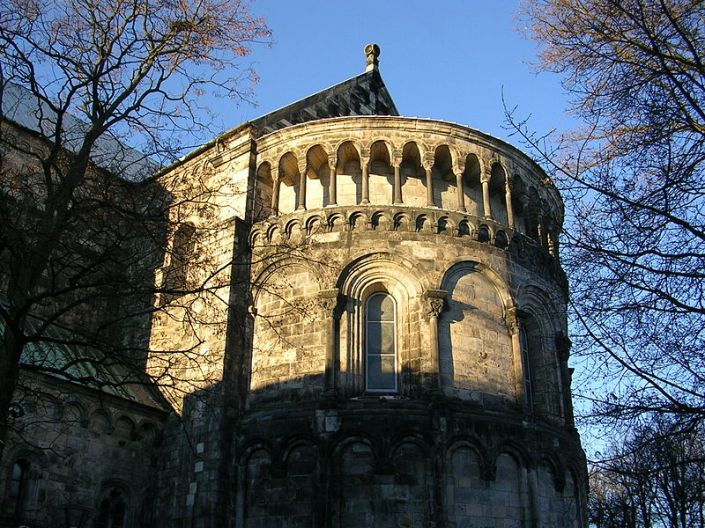 800px-lunds_domkyrka2c_2004d